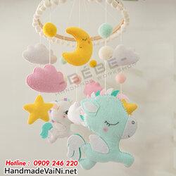 do-choi-treo-noi-cho-be-so-sinh-hinh-ngua-pony.jpg